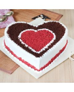 Deliceous Heart Shaped Chocolate Cake