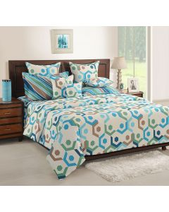 Geometrical Patterned Printed Bedsheet With Pillow Covers