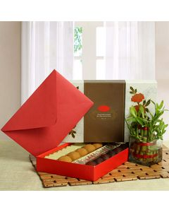 Buy Best Gifts With Sweet Hamper Online