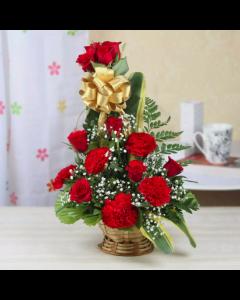 Send A Dozen Roses Basket online
