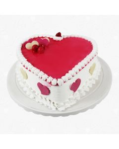 Eggless Heartshape Strawberry Cake