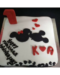 Mickey Mouse Love Cake